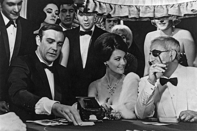 Det er ikke bare James Bond som kan spille Baccarat lengre.